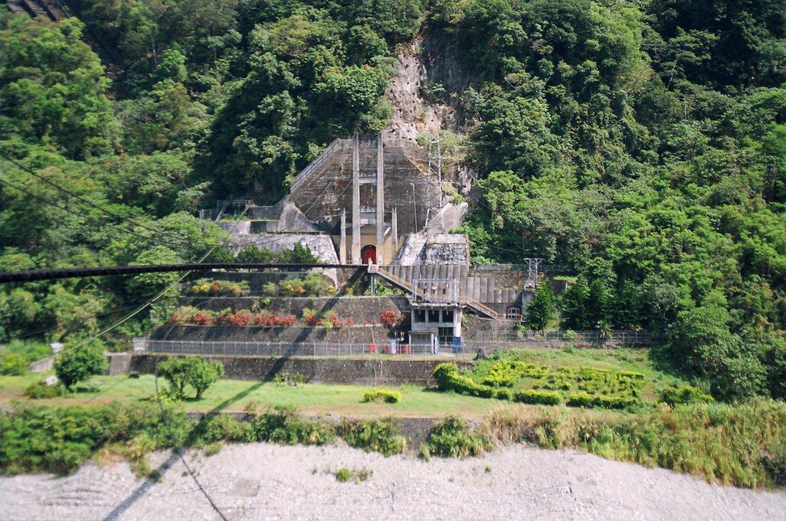 東部發電廠銅門機組全景 出處:台灣電力股份有限公司